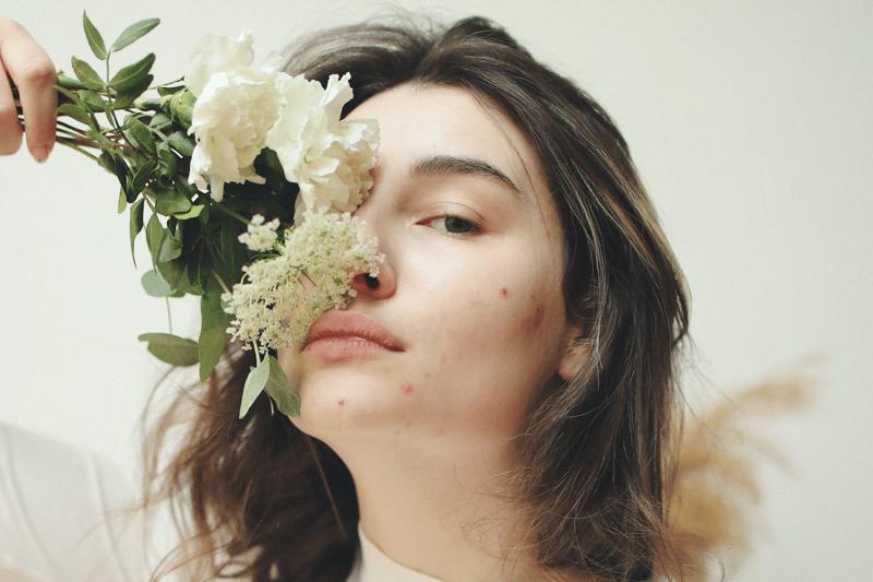 ¿Cómo quitar las manchas de acné?