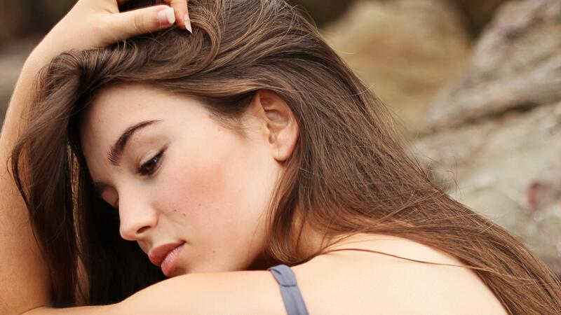 Manchas oscuras en la piel: El calor las empeora